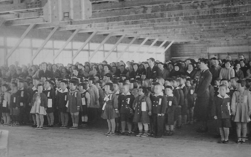 昭和31年 羽幌小学校入学式