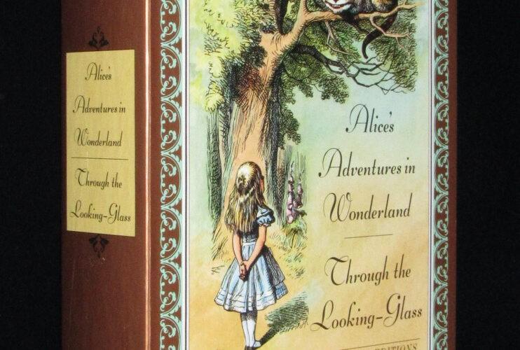 「【洋書】Alice's Adventures in Wonderland & Through the Looking-glass」